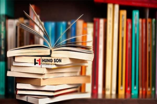 Mua sách lậu có vi phạm pháp luật hay không?