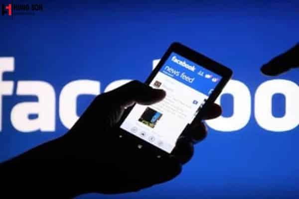 tung tin giả lên facebook