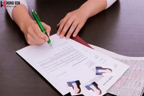 Làm giả hồ sơ xin việc có phải chịu trách nhiệm hình sự không?