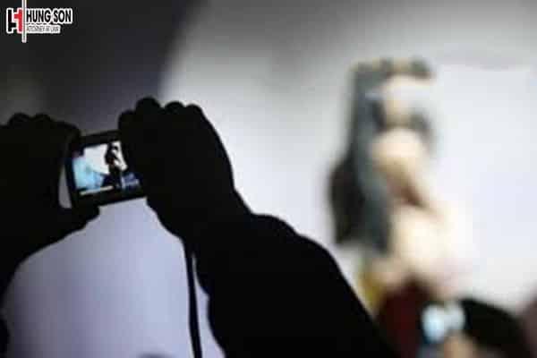 Đăng tải video nhạy cảm của người khác lên mạng thì có phạm tội không