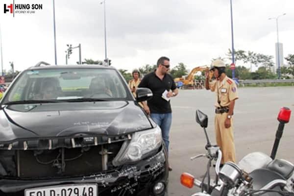 Nếu người nước ngoài gây tai nạn giao thông tại Việt Nam thì sẽ bị xử lý thế nào?