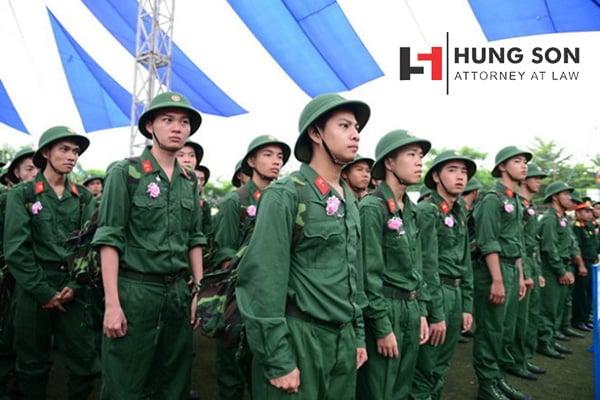 Đang đi học thạc sĩ có được miễn nghĩa vụ quân sự?