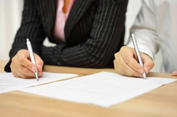 Đảm bảo hồ sơ ly hôn thuận tình có yếu tố nước ngoài đầy đủ