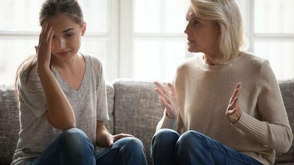 Những quy định cụ thể về việc ly hôn khi mẹ chồng không quan tâm
