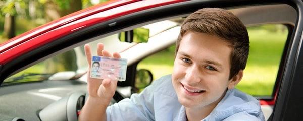 Người nước ngoài du lịch Việt Nam được cấp đổi giấy phép lái xe