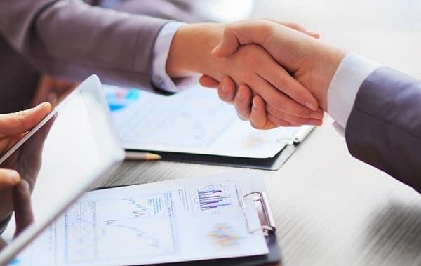 Hợp đồng vay vốn cần có đầy đủ thông tin về khoản tiền vay, kỳ hạn và lãi suất, phương thức giải ngân